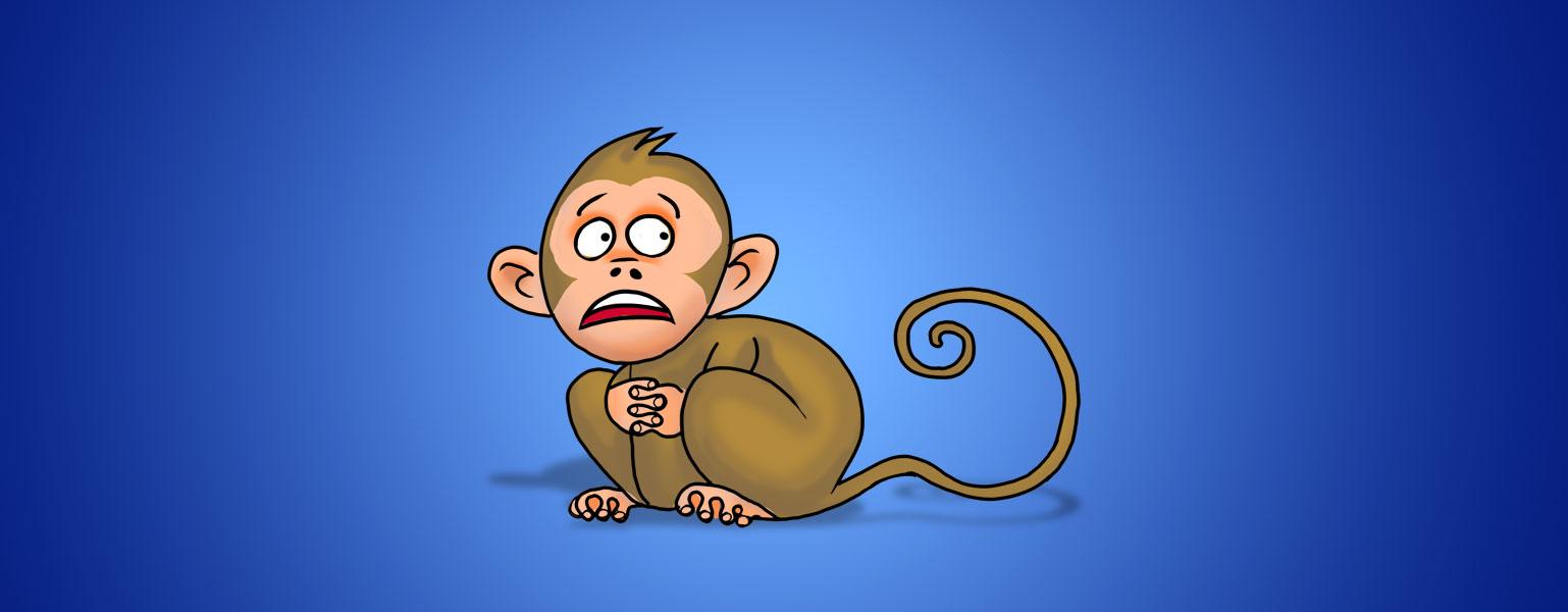 No centro da imagem de fundo azul há um pequeno macaco marrom de rabo comprido e orelhas grandes. Ele está agachado com as duas mãos com os dedos entrelaçados. Olha para o lado com expressão assustada.