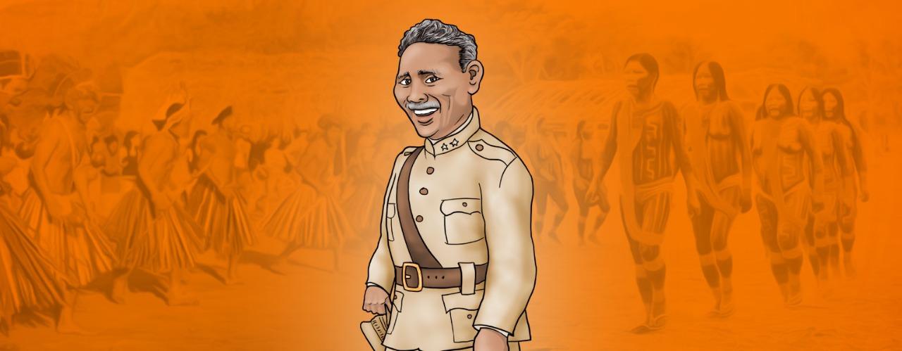 Ilustração com fundo em tons de cor de laranja, com pessoas indígenas espalhadas. No centro, um homem de pele parda, cabelos e bigodes grisalhos veste farda bege e sorri.